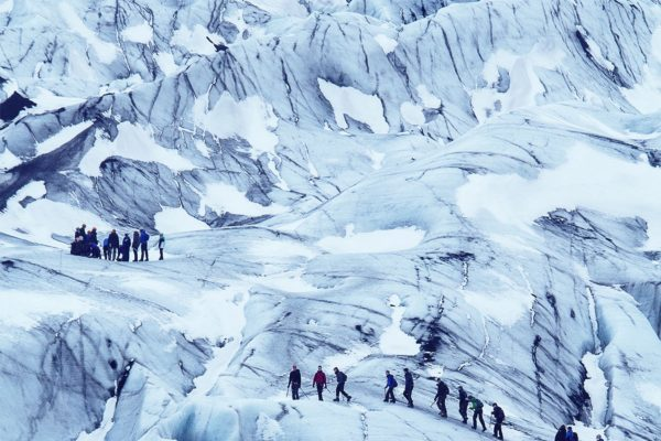 glacier-hiking-people